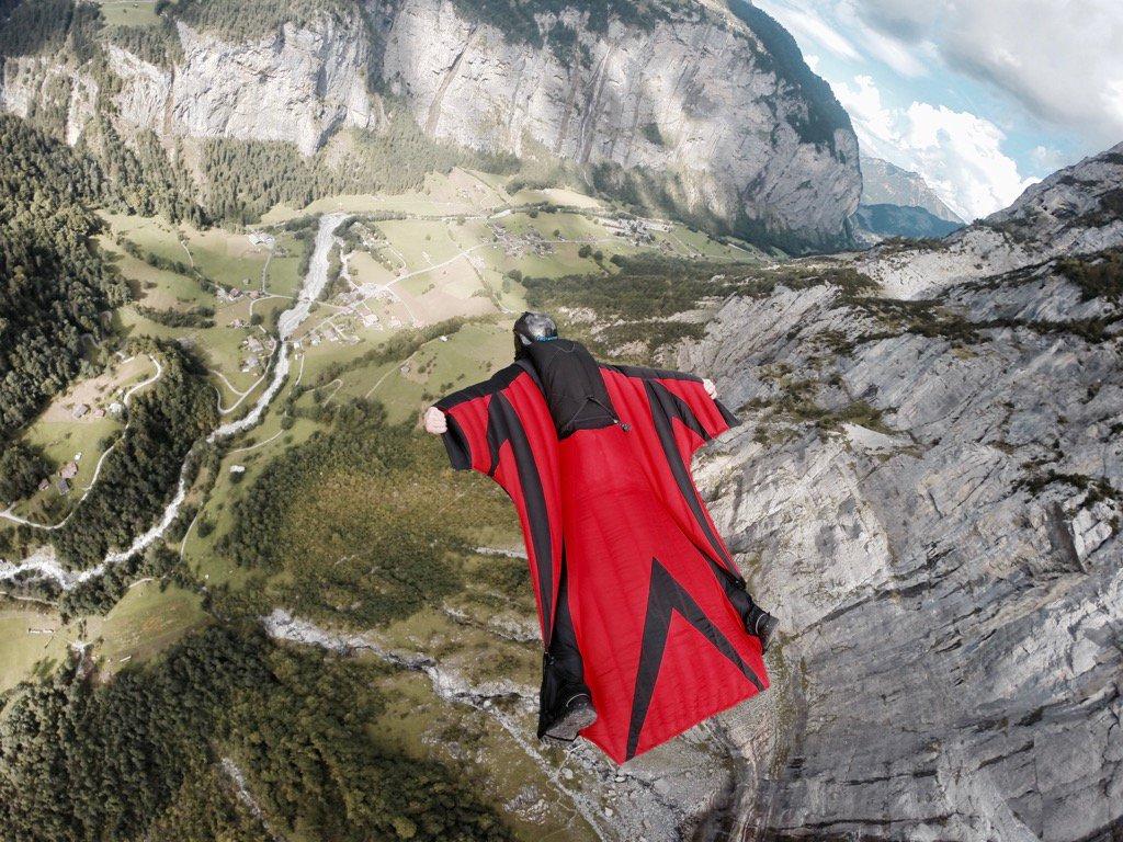 Joby Ogwyn Alpinista, wingsuit base jumper